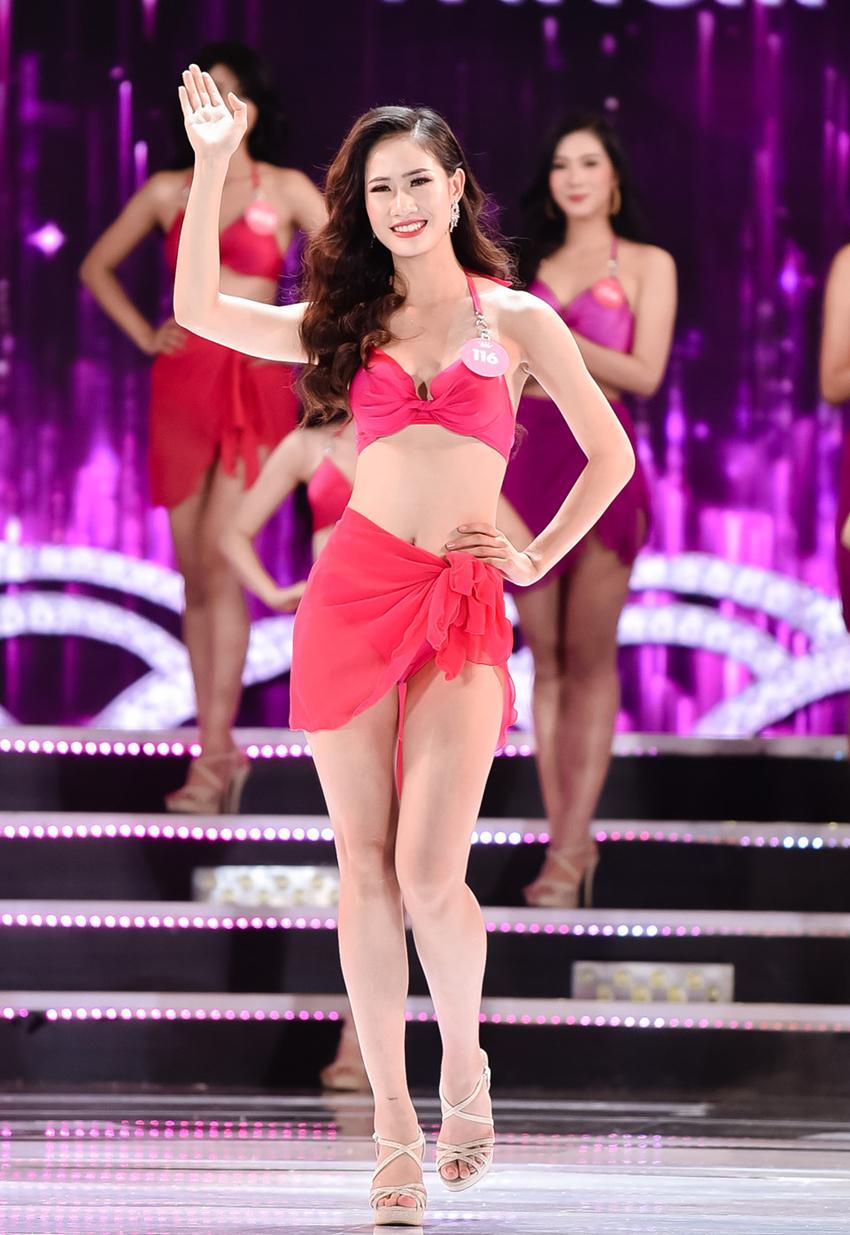 Ngắm nhìn lại Top 25 Hoa hậu Việt Nam 2018 nóng bỏng với phần trình diễn bikini nóng bỏng