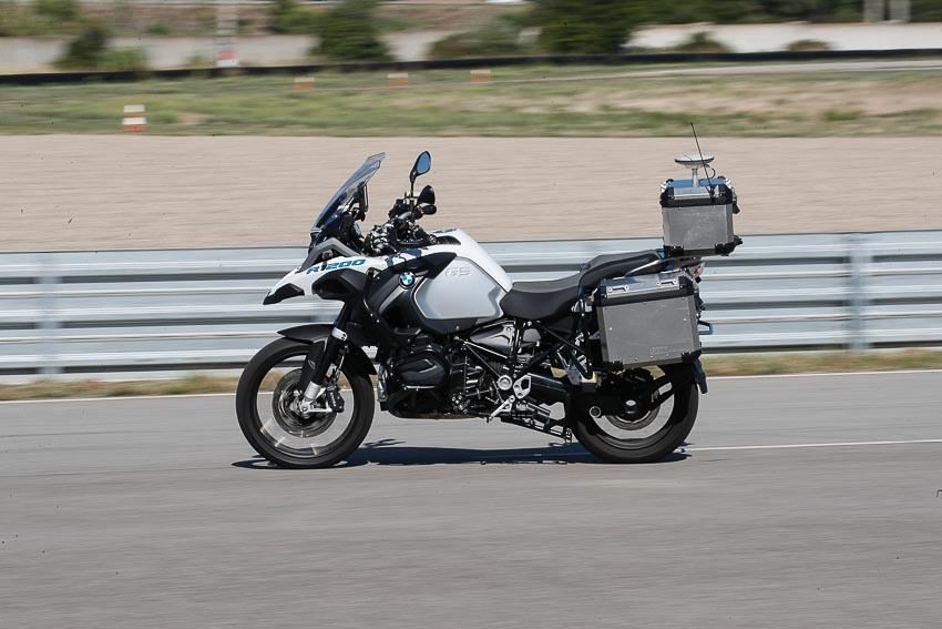 cong-nghe-mo-to-tu-lai-voi-BMW-R1200GSA