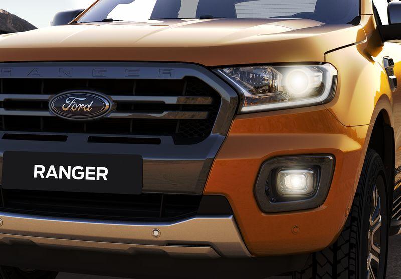 Ford Ranger mới chính thức mở bán tại Việt Nam, giá từ 630 triệu VNĐ