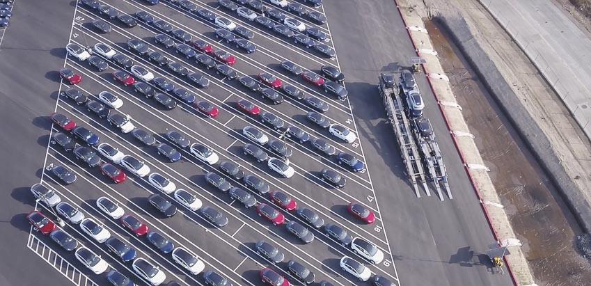 khach-nhan-xe-Tesla-Model-3-ban-RWD-chi-sau-1-ngay