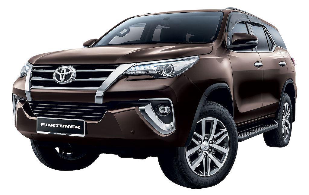 Toyota Hilux-Innova-Fortuner-2019-nang-cap-nhe