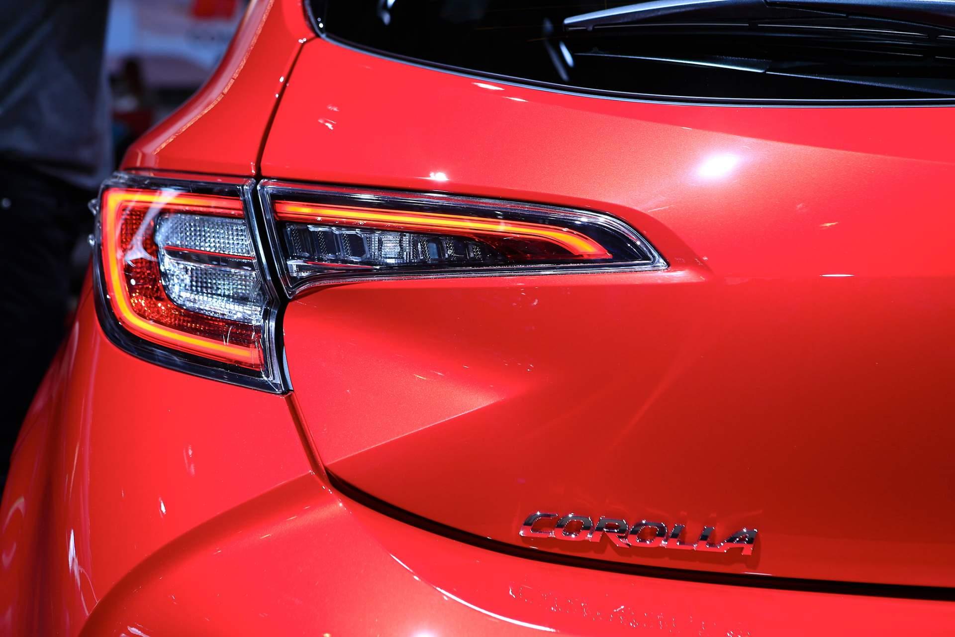 ra-mat-Toyota-Corolla-2019