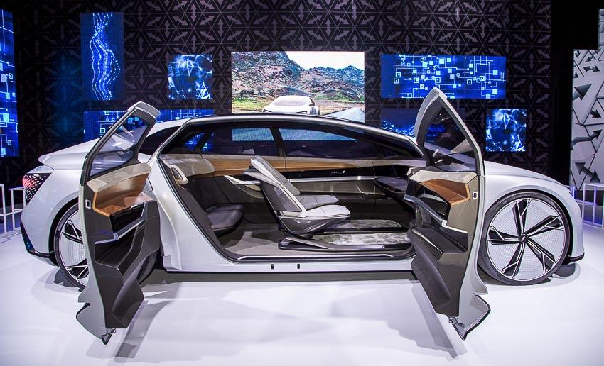 30-mau-xe-hang-dau-tai-Audi-Brand-Experience-2018-4