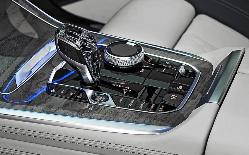 BMW-X7-xDrive40i-2019-phien-ban-danh-cho-thi-truong-Viet-17
