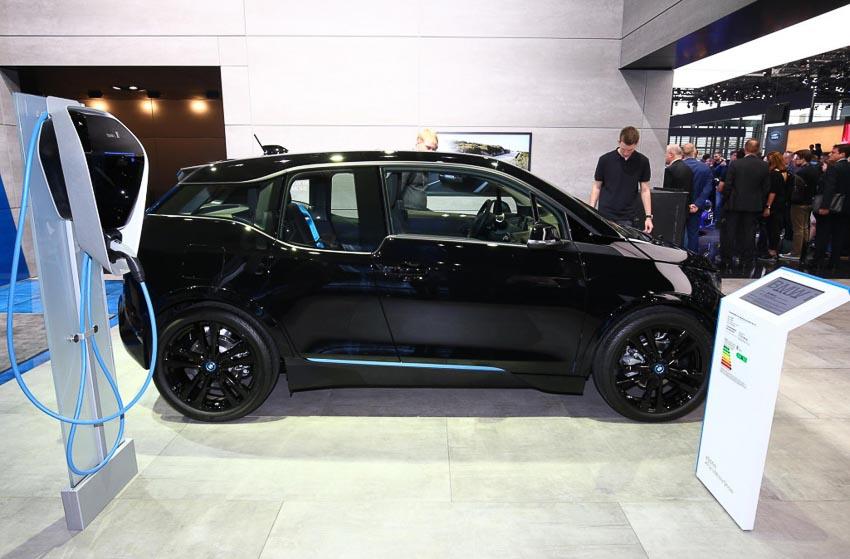 BMW-i3-2019-nang-cap-cong-nghe-pin-Paris-Motor-Show-2018-12