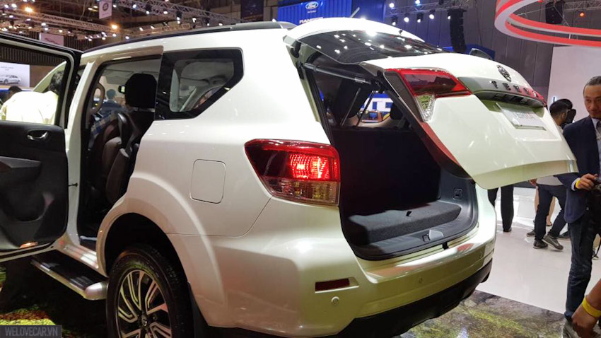 -Nissan-ra-mat-Terra-2018-va-loat-mau-xe-moi