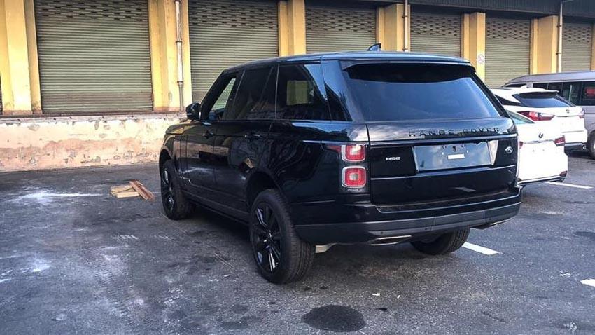 Range-Rover-HSE-2018-ban-Black-Design
