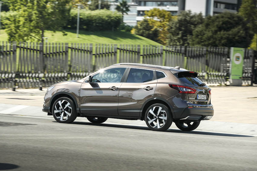 SUV-co-trung-ban-chay-nhat-Nissan-Qashqai-nang-cap-3