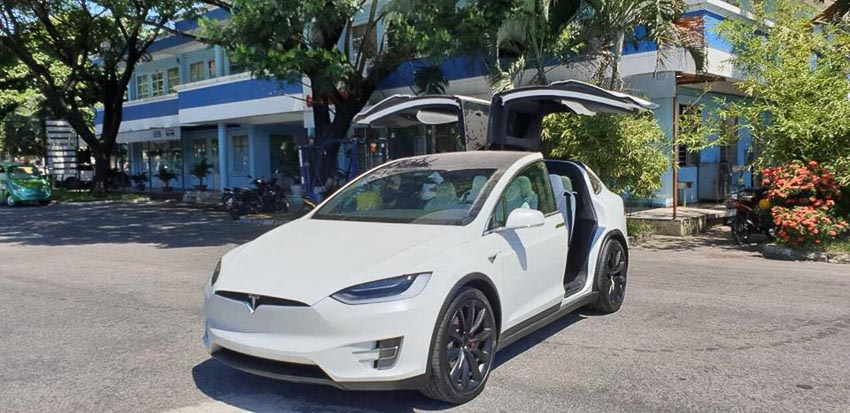 Tesla-Model-X-P100D-mau-trang-doc-nhat