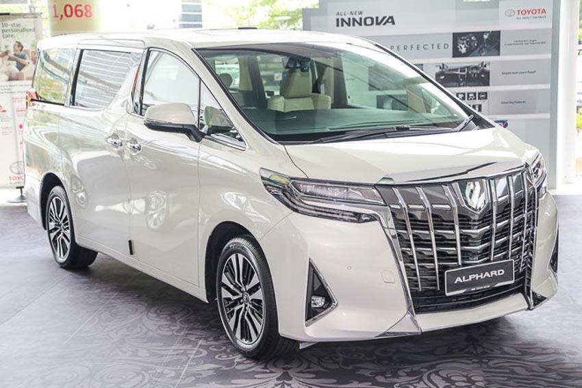 Toyota-Alphard-2018-lo-gia-ban-hon-4-ti-dong-tai-Viet-Nam