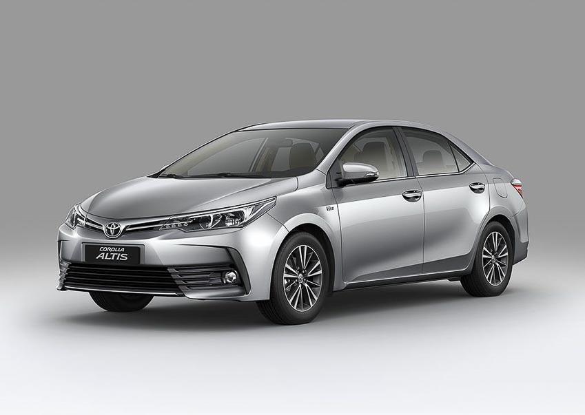 Toyota-Corolla-Altis-2018-chot-gia-tu-697-trieu-dong