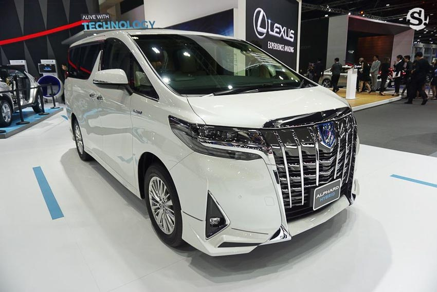 Toyota-ra-mat-minivan-Alphard-2018-3