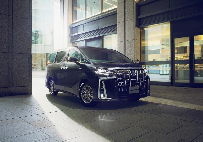 Toyota-ra-mat-minivan-Alphard-2018-4