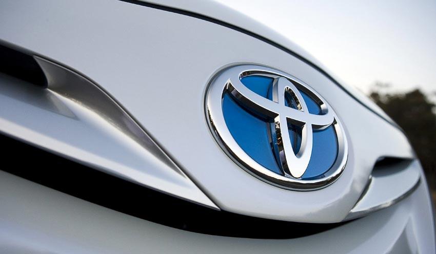 Toyota-trieu-hoi-xe-oto-dong-co-hybrid