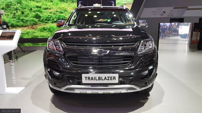 VMS-2018-Chevrolet-Colorado-Storm-va-Trailblazer-Perfect-Black