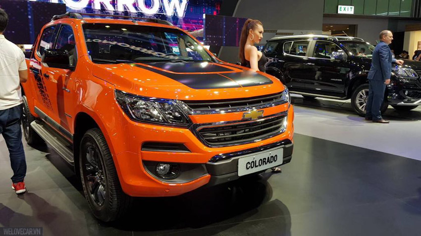 Chevrolet-Colorado-Storm-va-Trailblazer-Perfect-Black