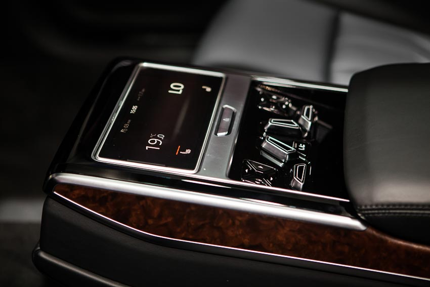 can-canh-Audi-A8-L-3-0-TFSI-2018