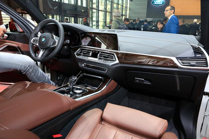 can-canh-BMW-X5-2019-G05-tai-Paris-Motor-Show-2018-4