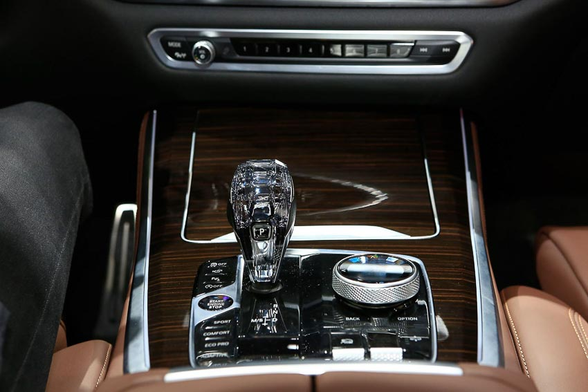 can-canh-BMW-X5-2019-G05-tai-Paris-Motor-Show-2018-9