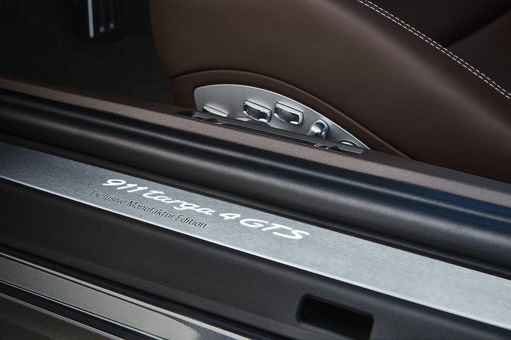 Porsche-911-Targa-4-GTS-Exclusive-Manufaktur-Edition