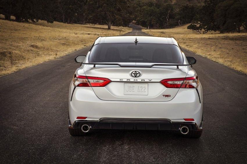 Chi tiết Toyota Camry TRD