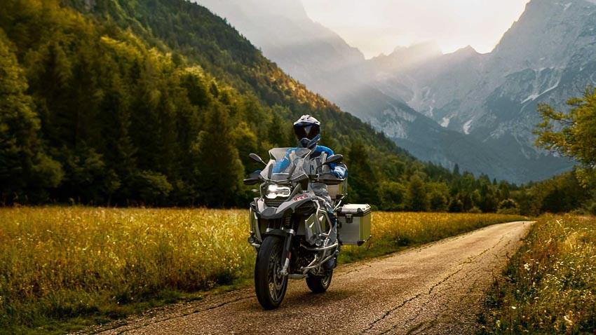 BMW R 1250 GS Adventure chinh phục cung đường mạo hiểm 1