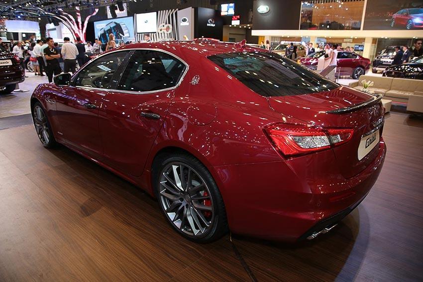 Maserati Ghibli Gransport 2018 2