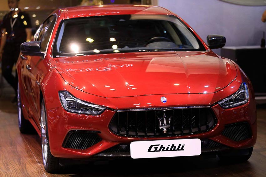 Maserati Ghibli Gransport 2018 4