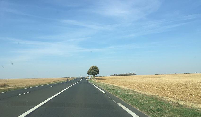 Du lịch châu Âu bằng xe thuê và xe tự lái 3