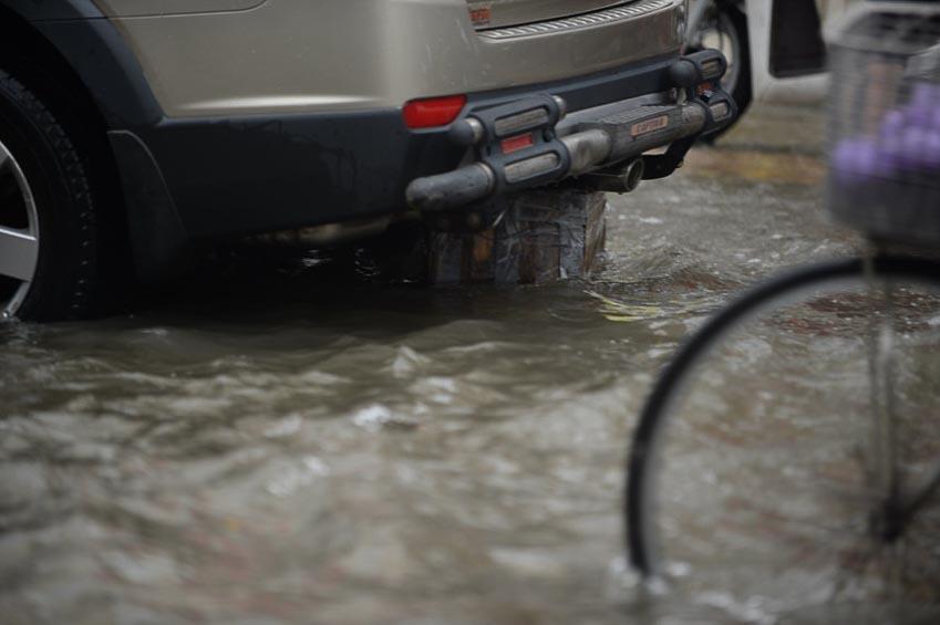 xe chết máy sau cơn bão số 9 2