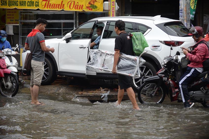 xe chết máy sau cơn bão số 9 8