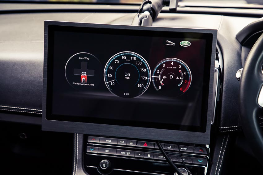 công nghệ nhận diện đèn xanh của Jaguar Land Rover 4