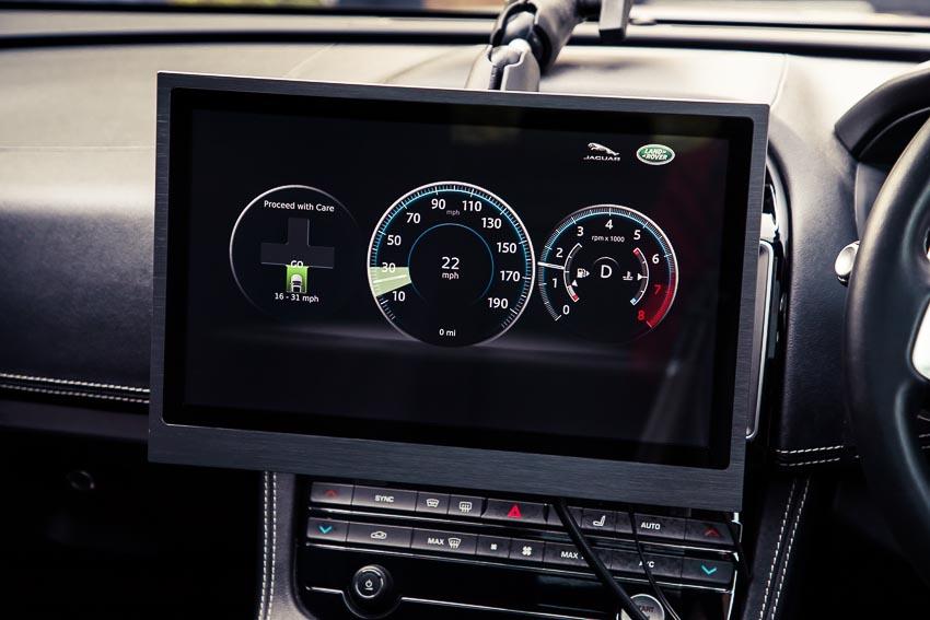 công nghệ nhận diện đèn xanh của Jaguar Land Rover 5