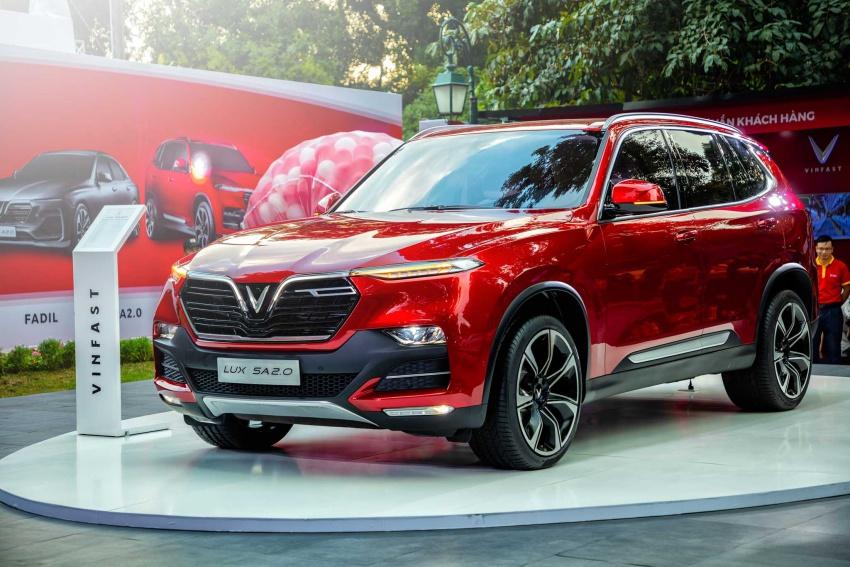 SUV Lux SA2.0 có giá 1,136 tỷ