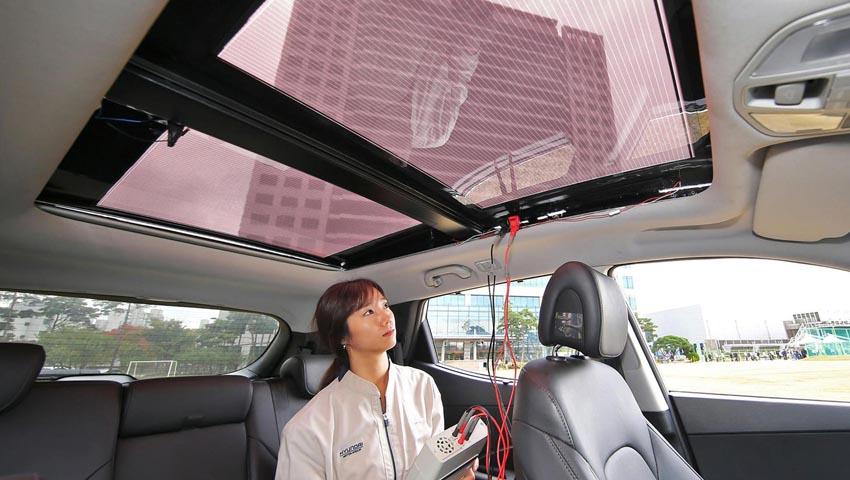 Pin năng lượng mặt trời trên nóc xe 1