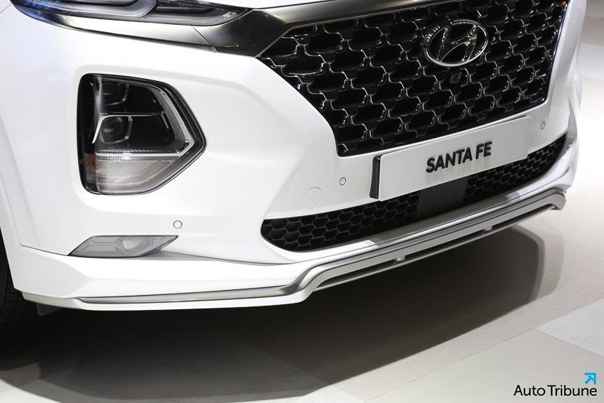 Phần đầu xe Hyundai Santa Fe 2019 phiên bản Inspiration 2