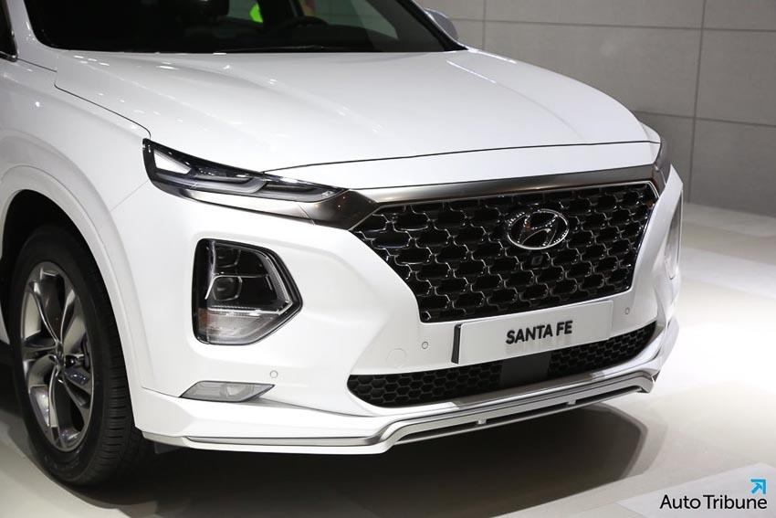 Phần đầu xe Hyundai Santa Fe 2019 phiên bản Inspiration 1