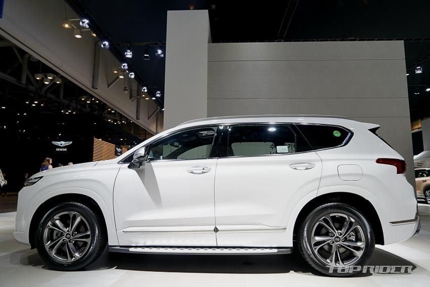 Thân xe Hyundai Santa Fe 2019 phiên bản Inspiration
