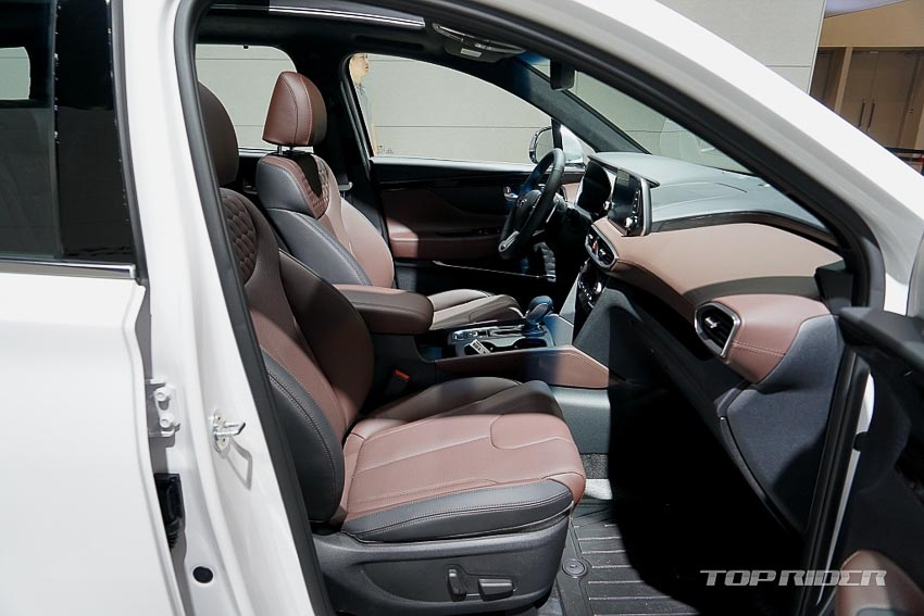 Nội thất Hyundai Santa Fe 2019 phiên bản Inspiration 9