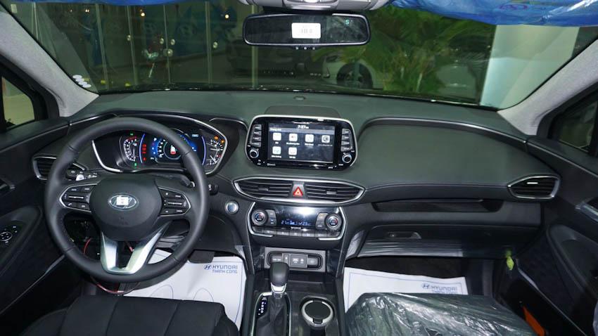 khoang lái Hyundai SantaFe 2019