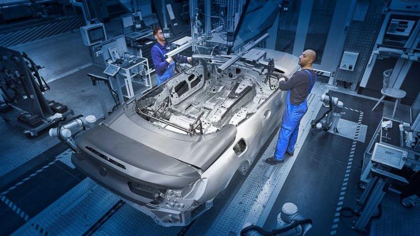BMW 8 Series Convertible 2019 lên dây chuyền sản xuất 1