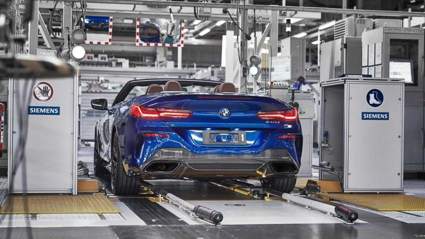 Phần đuôi xe BMW 8 Series Convertible 2019 1