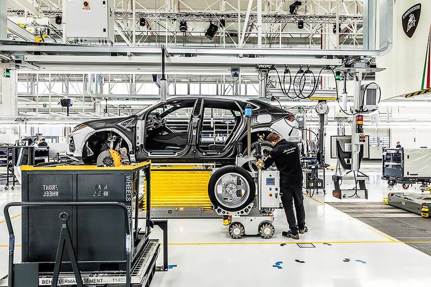 nhà máy sản xuất siêu SUV Lamborghini URUS 24
