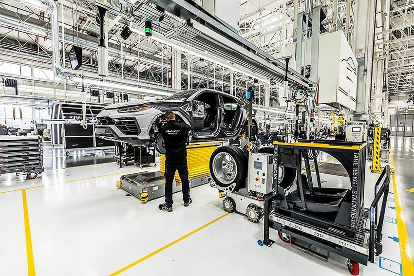 nhà máy sản xuất siêu SUV Lamborghini URUS 27