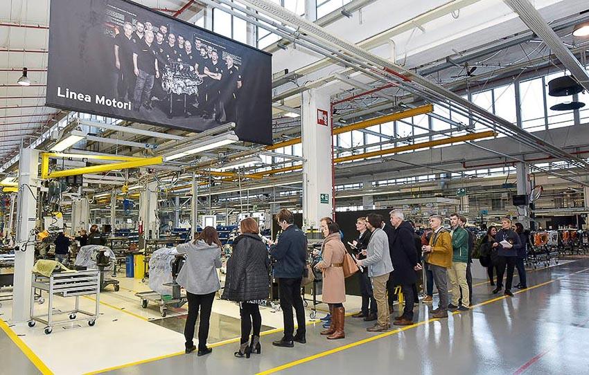 nhà máy sản xuất siêu SUV Lamborghini URUS 3