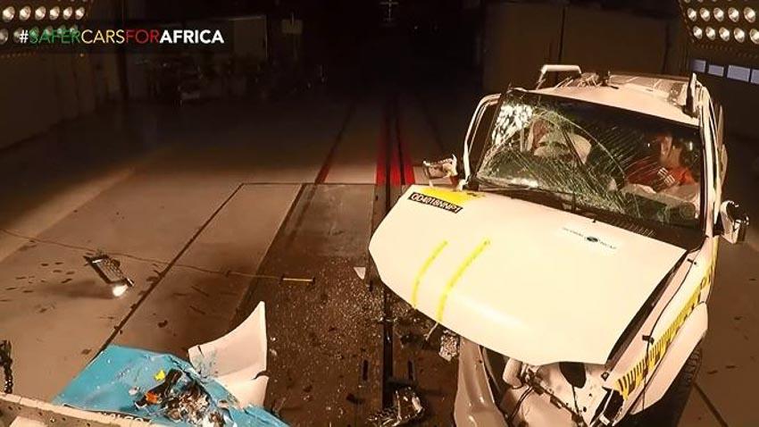 Nissan Navara tại Nam Phi trong bài thử va chạm 2