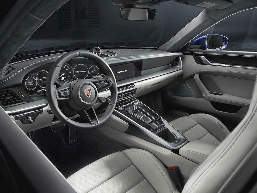 Nội thất Porsche 911 thế hệ mới 1