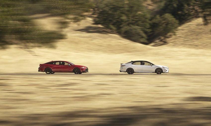 Bộ đôi sedan thể thao Toyota Camry & Avalon TRD