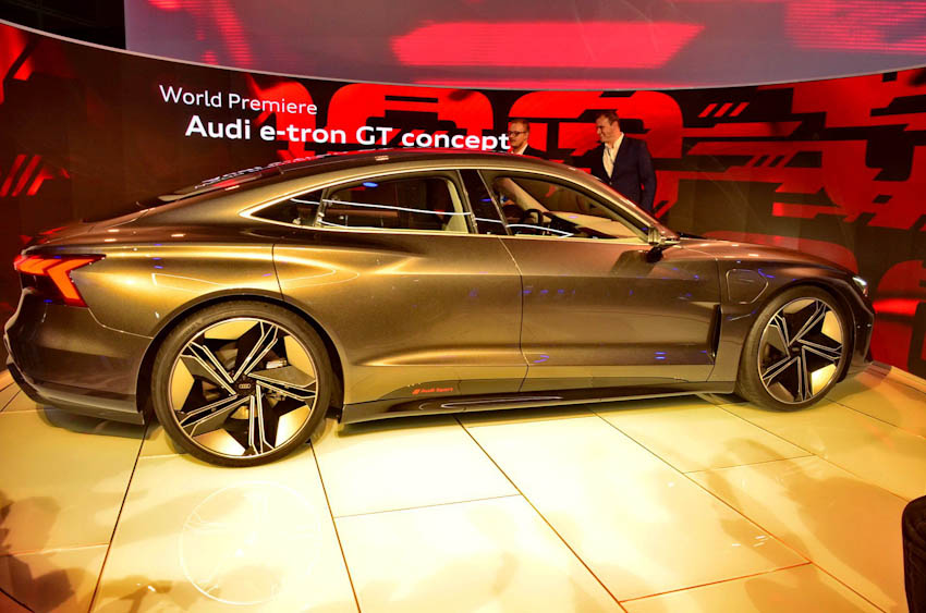 Audi e-tron GT 11
