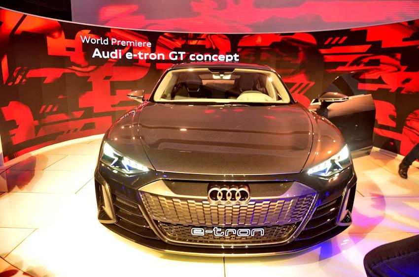 Audi e-tron GT 17